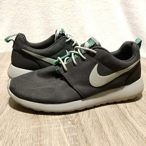 Nike Roshe Run Custom Painted